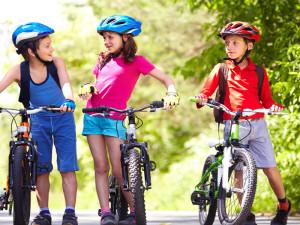 GOO-001-1A-Wheelgoo-kids_cycling-shutterstock_811782733